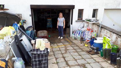 """""""Volledige inboedel van garage naar de vaantjes"""""""