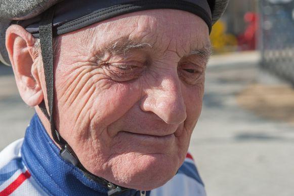 Wilfried Hensen (83) uit Sint-Andries ligt in kritieke toestand in het ziekenhuis na een ongeval met de fiets. De man is de stichter van de wielerclub St-Trudotrappers.