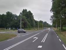 Verkeerslichten op kruising Peeleindseweg en N272 tussen Beek en Donk en Gemert