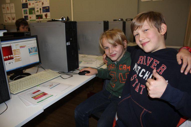 Are en Jarne stonden op de eerste rij om zich in te schrijven voor de Codeclub.