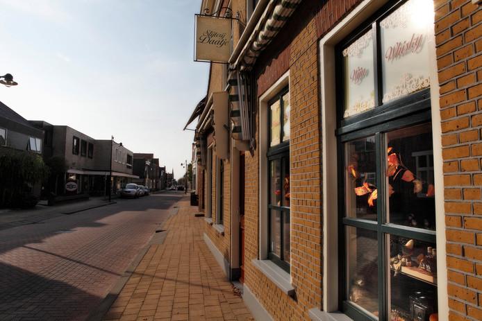 De Dorpsstraat in Hazerswoude (Archieffoto).