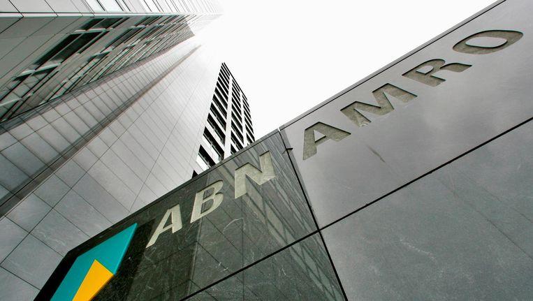 Het hoofdkantoor van ABN Amro in Amsterdam Beeld reuters