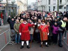 Meer bussen dan ooit naar Dickens-festijn in Deventer