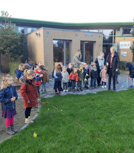 Feestelijk moment op basisschool De Bolderik in Heeswijk-Dinther: een groen speelplein!