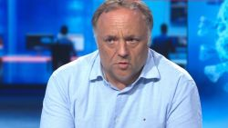 """Van Ranst over nieuwe coronahaarden in Europa: """"Reis liever niet. Je vermijdt problemen"""""""