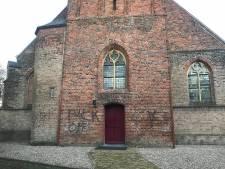 Onbegrip in Westervoort voor bekladden van kerken: 'Respect is echt ver te zoeken'