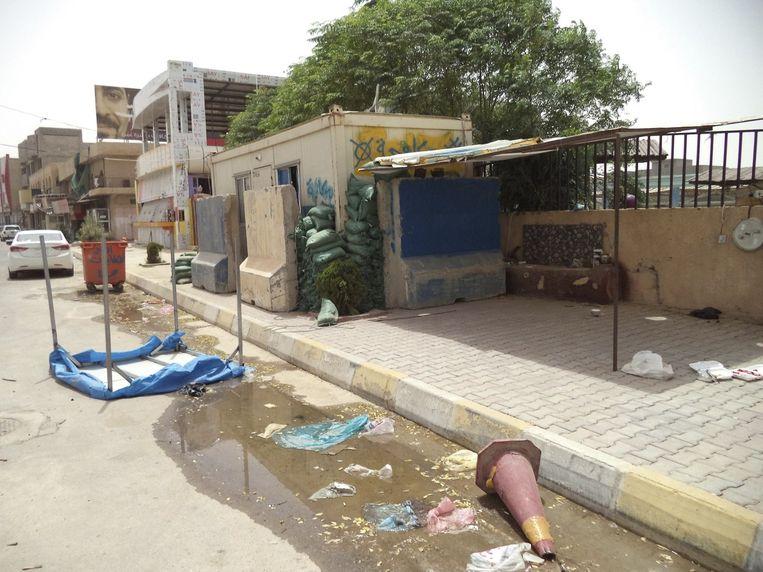 Verlaten checkpoint nabij Tikrit Beeld null