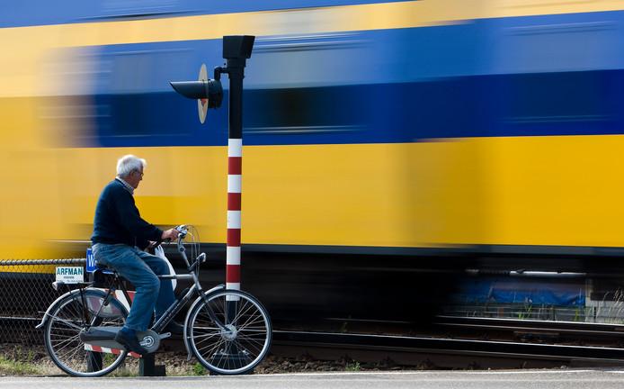 Een spoorwegovergang in Waddinxveen.