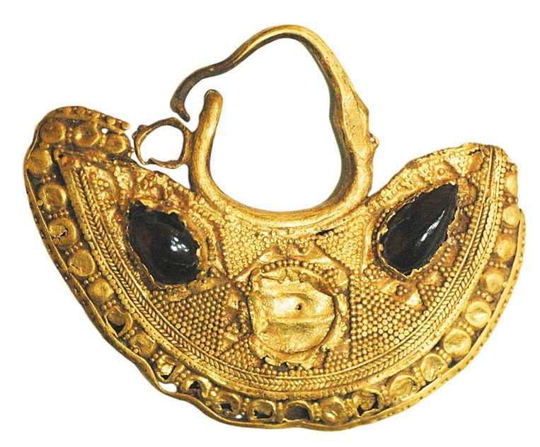 Sieraad uit Syrië (7de eeuw v. Chr.) Beeld ICOM