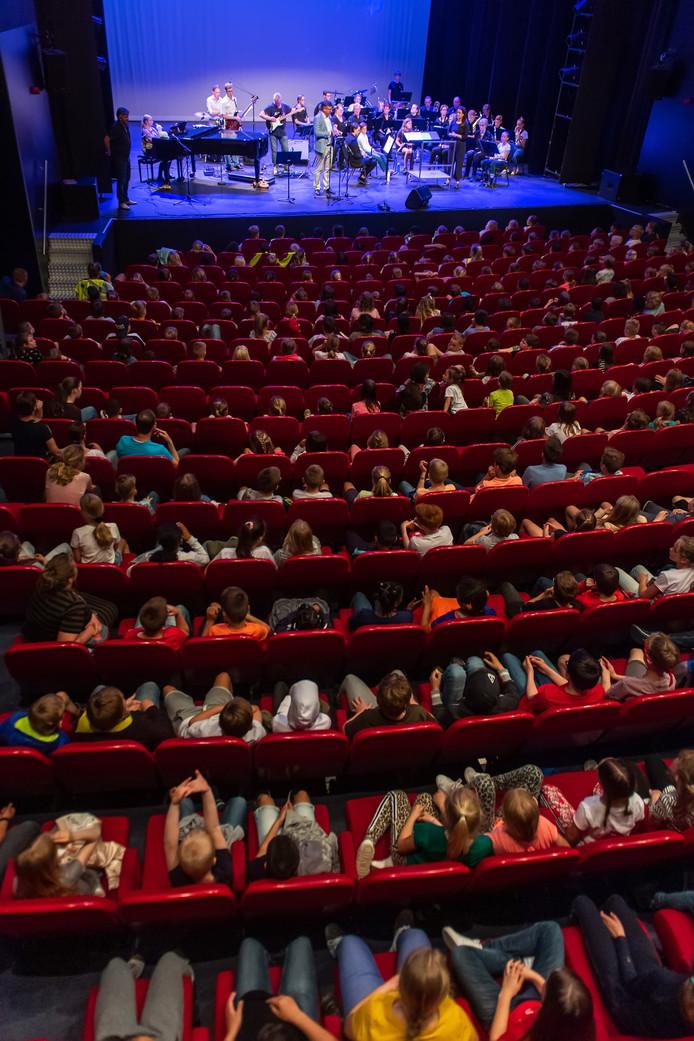 Tien jaar kunst- en cultuuronderwijs vanuit KOEPEL wordt gevierd met een concert in de Nieuwe Nobelaer.
