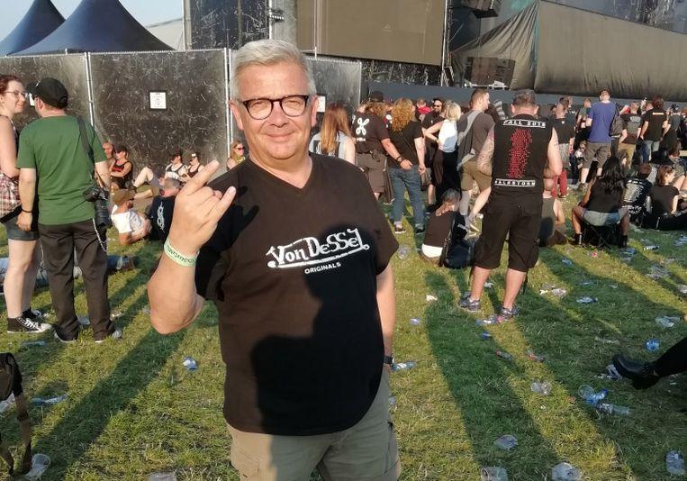 Kris Van Dijck heeft zijn T-shirt zorgvuldig uitgekozen.