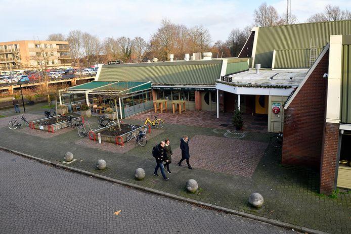 Het gebouw van De Korf aan De Smidse stamt uit de jaren 80 en is nodig aan vernieuwing toe.