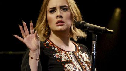 """Ex-trainer Adele reageert na alle kritiek: """"Ze wilde niet superdun worden, maar gezond"""""""