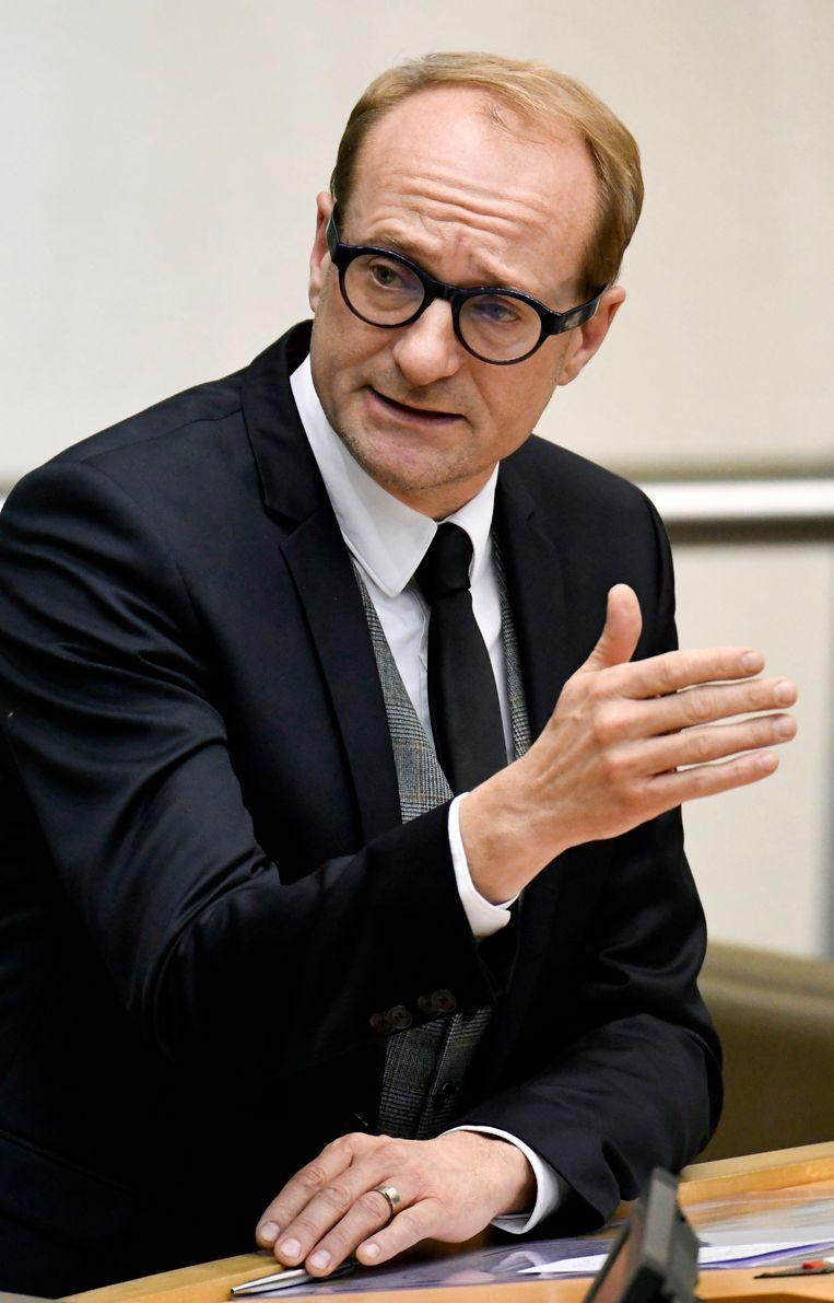 Vlaams minister van Vlaamse Rand Ben Weyts (N-VA) wil dat alle akten in de Vlaamse Rand binnenkort in het Nederlands opgesteld worden.