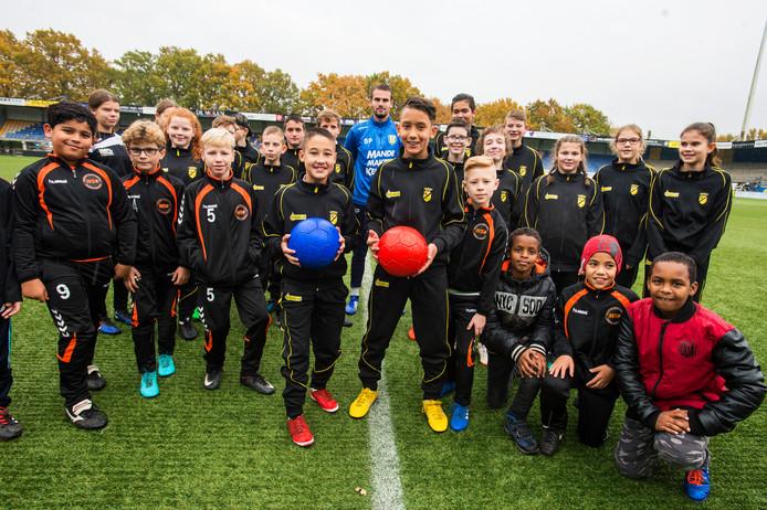 Veel kinderen die in armoede opgroeien, zijn geen lid van een sportclub.