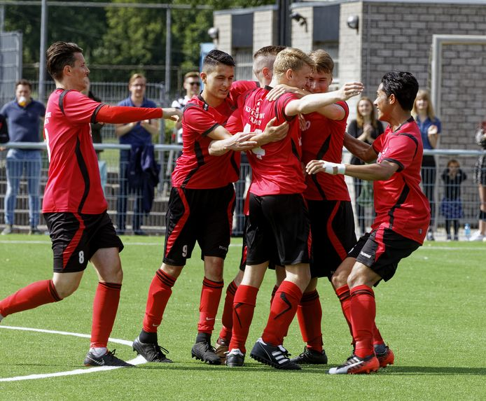 Bijna zeventig procent van de inwoners van de gemeente Heusden doet aan sport, zoals hier bij Vlijmense Boys.
