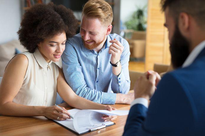 Tweeverdieners kunnen volgend jaar meer geld lenen voor de aankoop van een huis.