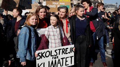 Greta Thunberg, Anuna De Wever en Kyra Gantois betogen in Parijs voor het klimaat