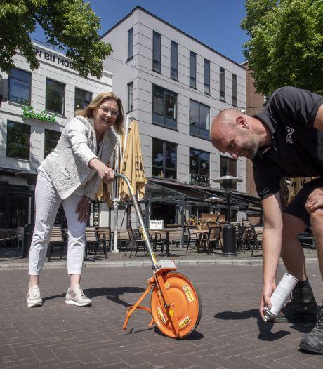 Op Oude Markt zijn de laatste lijntjes getrokken: alles is klaar voor heropening horeca Enschede