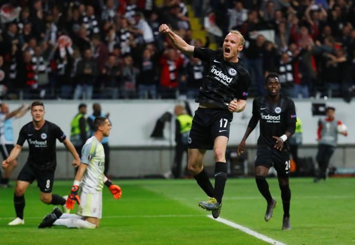 Sebastian Rode heeft de 2-0 gemaakt tegen Benfica.