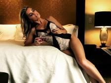 Uitgeputte Sylvie snakt na sexy shoot naar vakantie