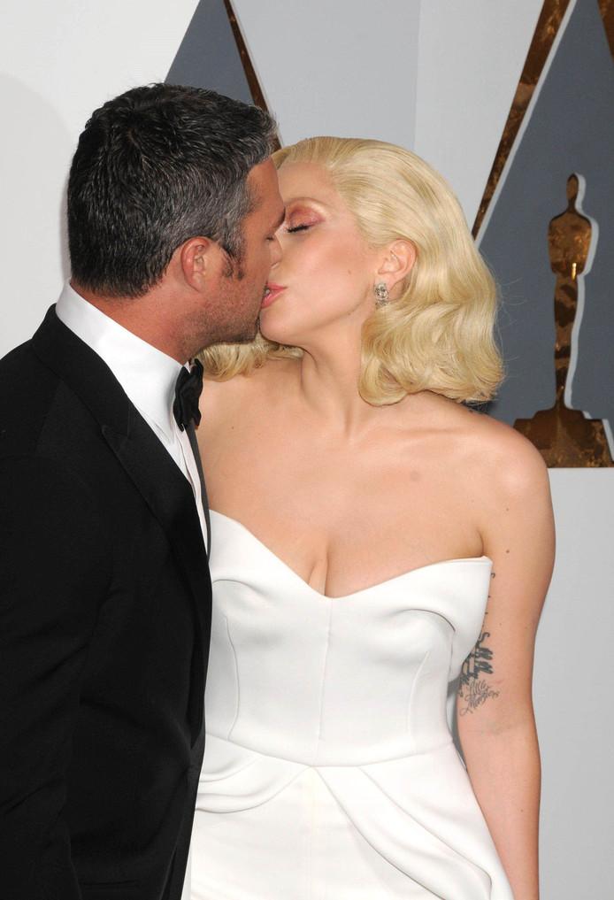 Met haar andere ex-verloofde, Taylor Kinney.