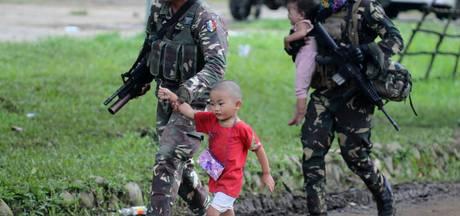 IS-extremisten bezetten Filipijnse stad: 'We moeten onze kinderen redden'