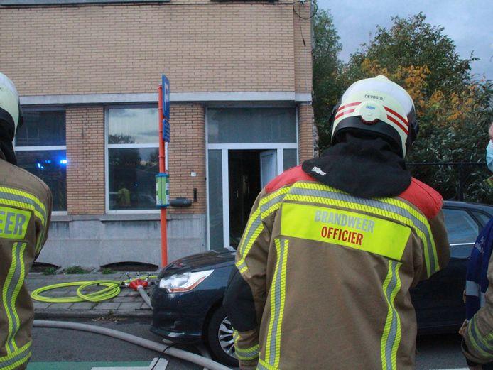 De brand ontstond in een woning in de Gentsesteenweg in Kortrijk.