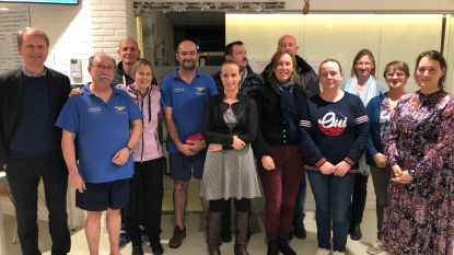 Start To Swim bedankt lesgever Marc Van Looy