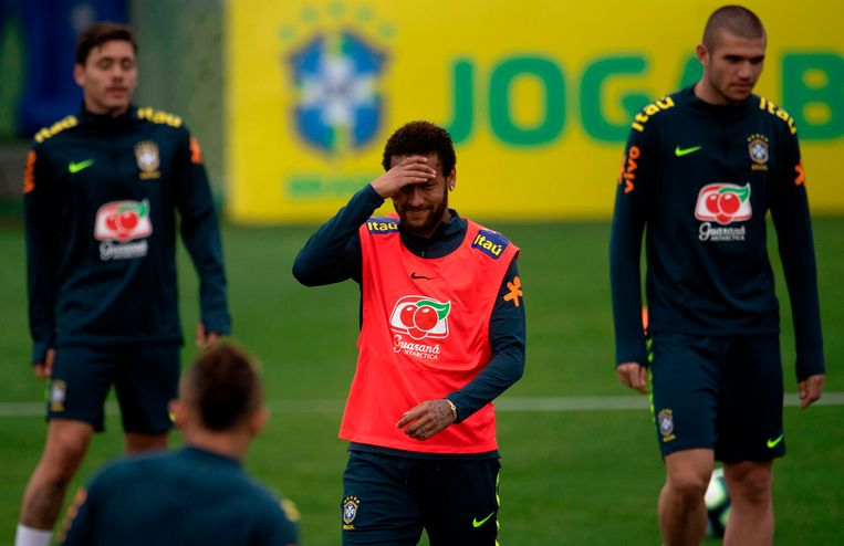 Neymar op het Braziliaanse trainingskamp in Teresopolis.