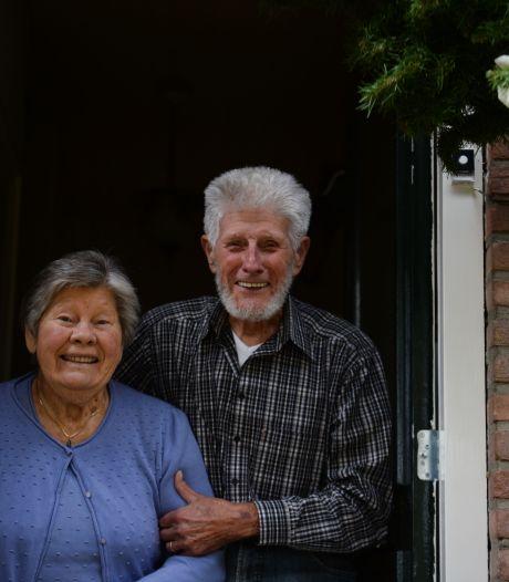 Eén keertje dansen bij De Vluchte in Enschede, zestig jaar later zijn Corrie (83) en Bertus (86) nog altijd samen