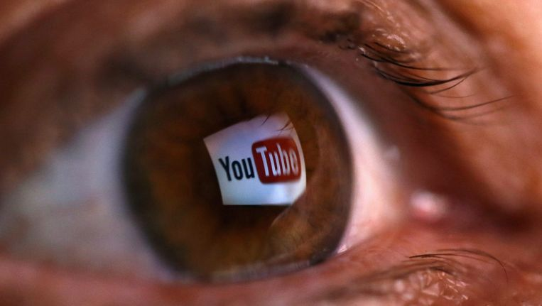 Reflectie van het YouTube-logo in een oog Beeld reuters