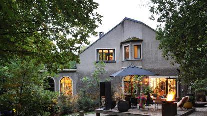 WOONVIDEO: Huisvuilvondsten, design en (kinder)kunst: in dit huis vind je het allemaal onder één dak