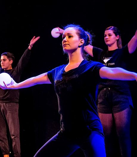 Dans, speeches en muziek bij online Lichtjesavond