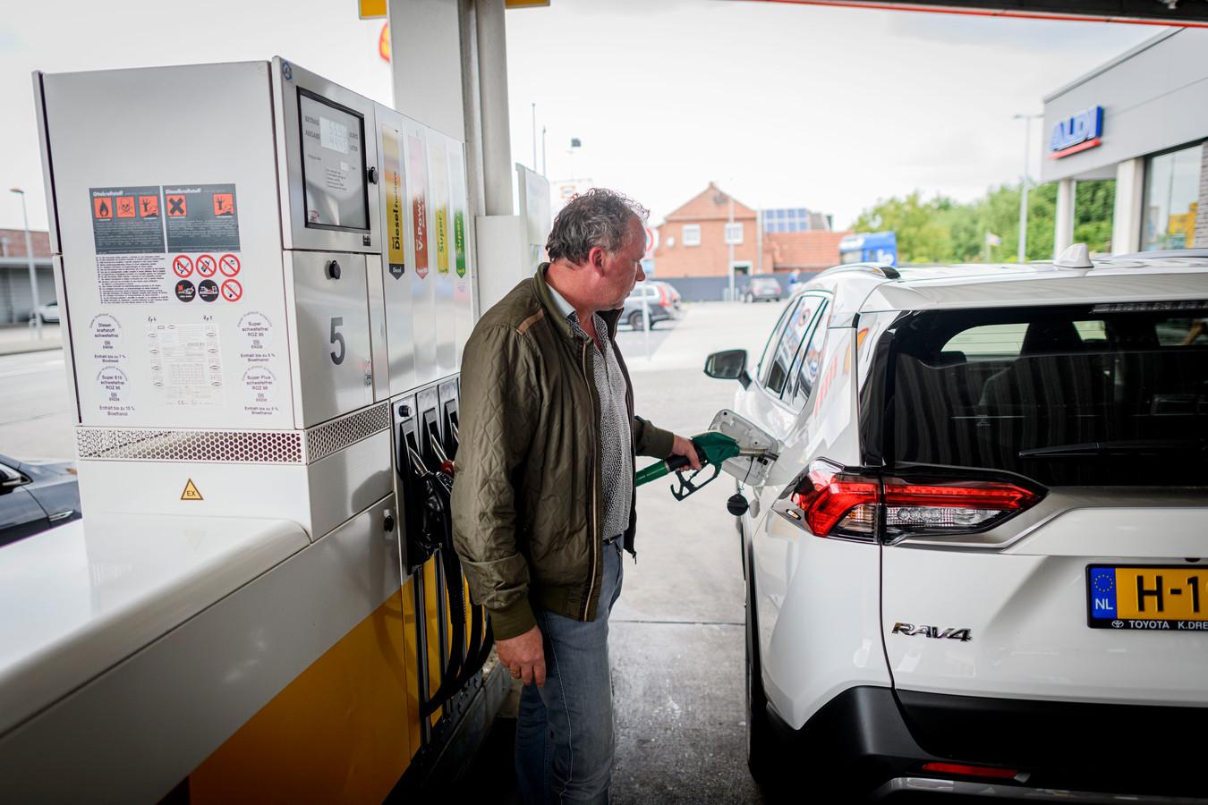 Voor een bezoekje aan het tankstation hoeven Nederlanders zich niet te registreren in Noordrijn-Westfalen.