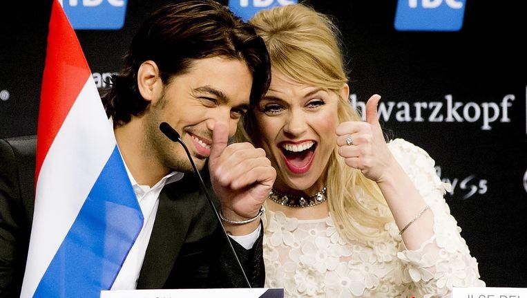 Waylon en Ilse DeLange tijdens de persconferentie na het bemachtigen van een plek in de finale van het Eurovisiesongfestival in het Deense Kopenhagen. Beeld anp
