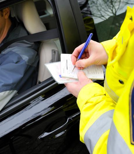 Verkeerscontrole leidt tot tientallen boetes in het Vechtdal