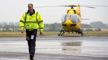 Ook prins William wil z'n steentje bijdragen en hoopt op terugkeer als ambulancepiloot
