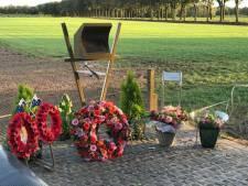 Australische herdenkingsbloemen bij Vorstenbosch' monument