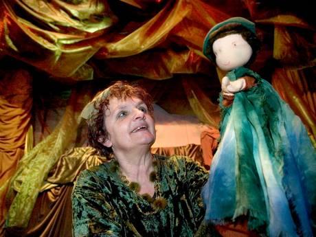 Legendarische poppenspeelster Marleen (70) denkt nog lang niet aan pensioen: 'Ik blijf het Bosvrouwtje'