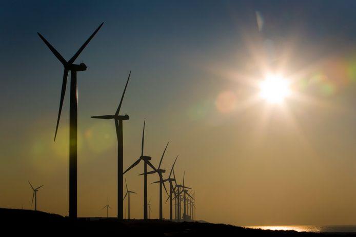 Om windturbines dicht bij huizen te plaatsen, maak je er molenaarswoningen van.