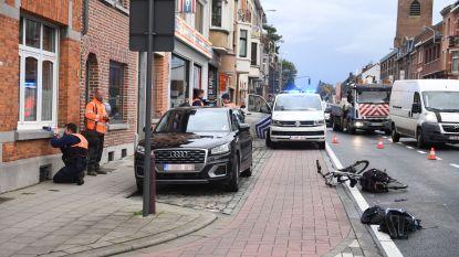 Fietser (19) kritiek na klap tegen openzwaaiend portier met elektrische fiets