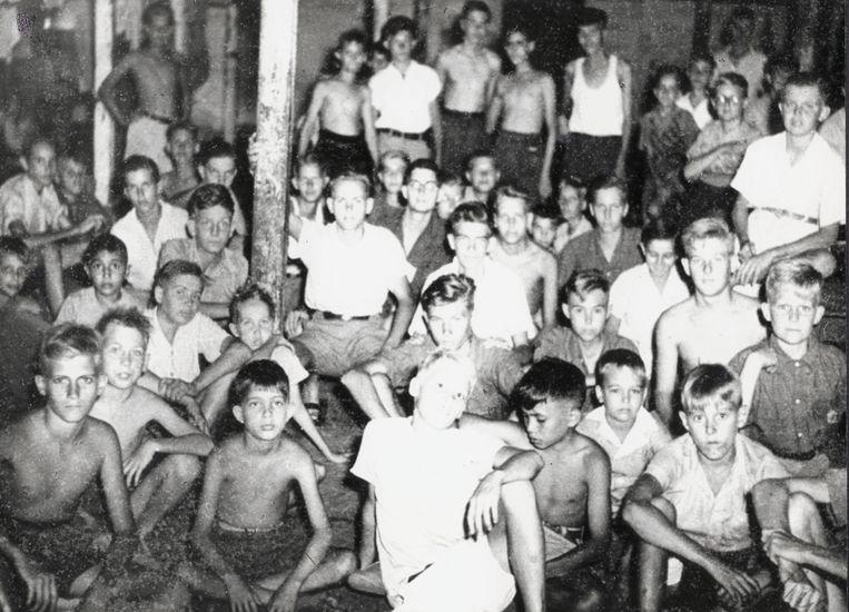 Een jongenskamp op Java, september 1945, een maand na de capitulatie van Japan. Beeld .