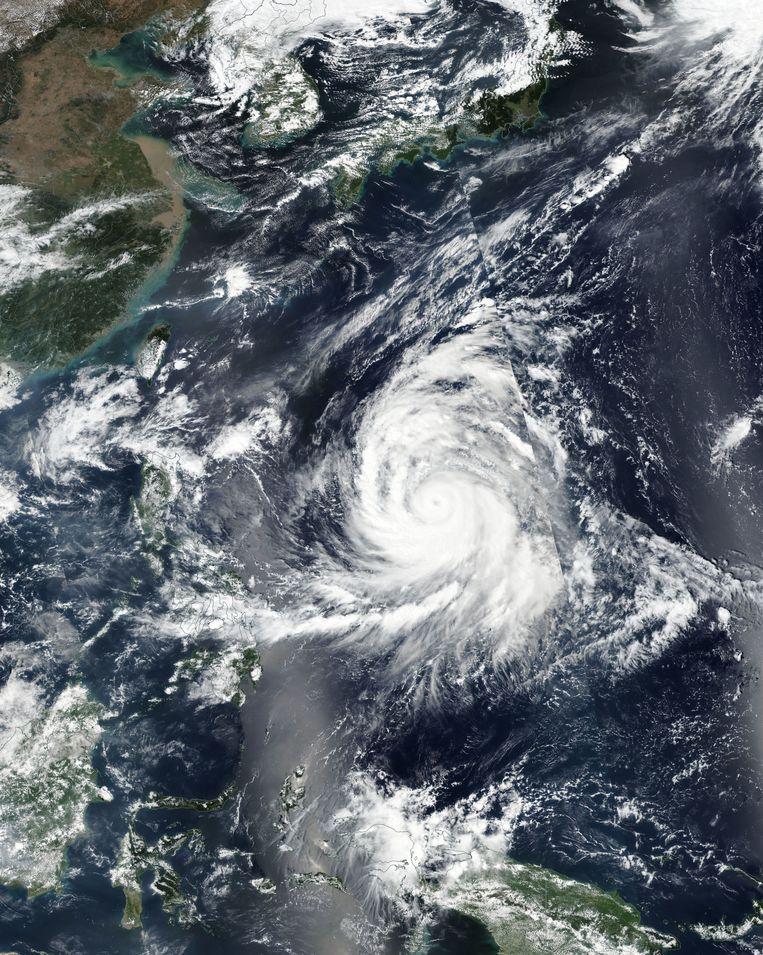 Een satellietbeeld van tyfoon Kong-Rey.