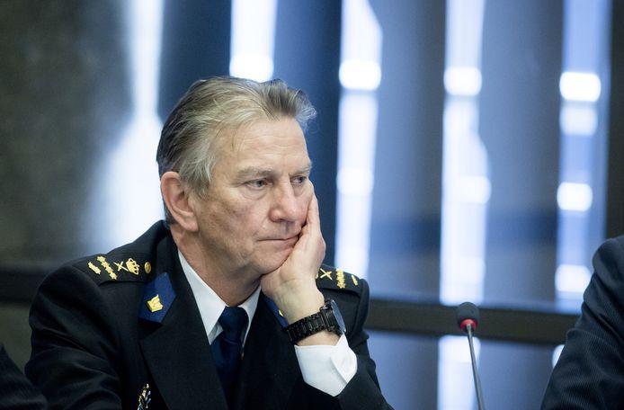 De inmiddels overleden oud-korpschef Gerard Bouman noemde cor-voorzitter Frank Giltay een 'zorgenkindje'.