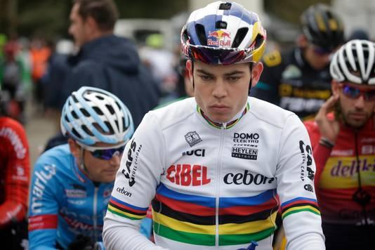 Van Aert bij de start in Frankrijk.