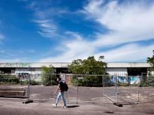 Verkrot pand op last van gemeente Breukelen op slot