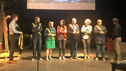 Tieltse Revue: stevig potje lachen met politici (maar nooit onder de gordel)