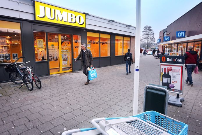 Een inwoonster van Heesch pleegde winkeldiefstallen bij zowel Jumbo als Albert Heijn in haar woonplaats. (foto ter illustratie.)