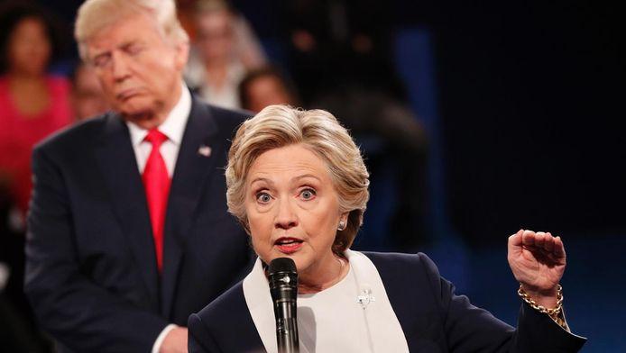 Clinton en Trump tijdens het tweede debat